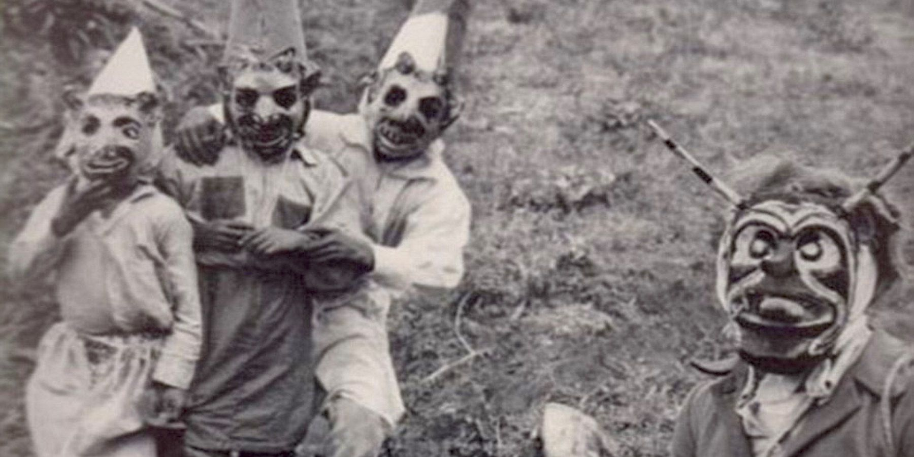 Vintage Halloween Costume Pictures.Terrifying Vintage Halloween Costumes That Are The Stuff Of Nightmares