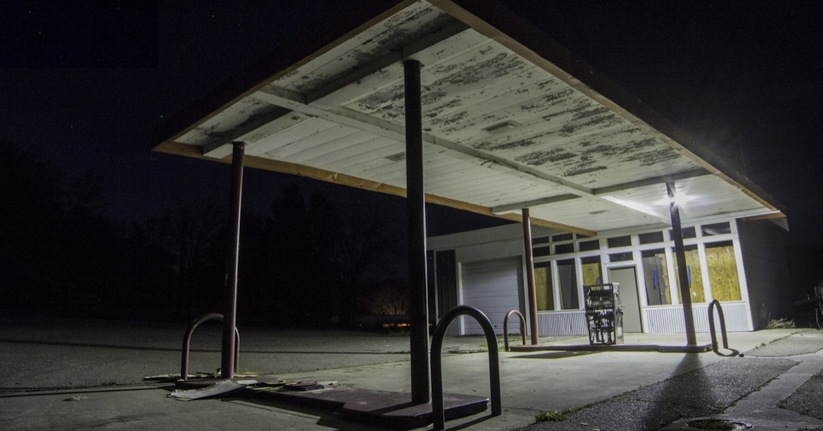 20 Eerie Images Of Abandoned Gas Stations Every Driver Should Avoid