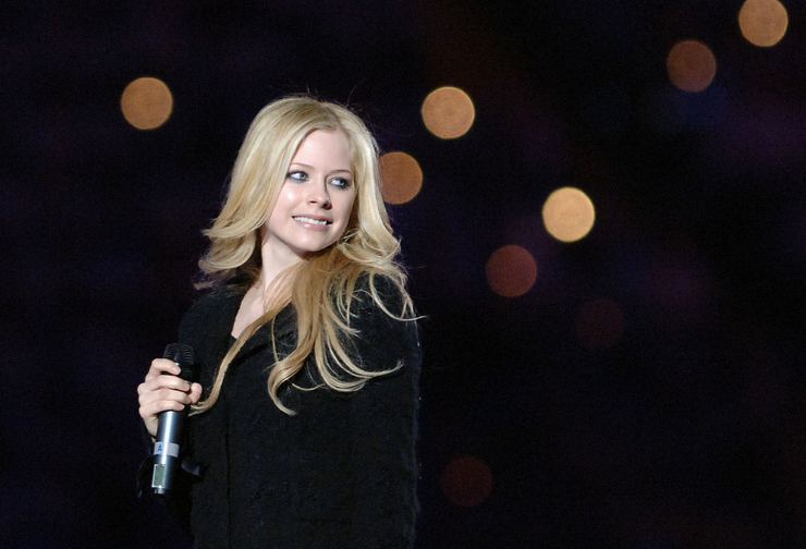 Avril Lavigne performs at the closing ceremony of the 2006 Winter OlympicsVia Getty