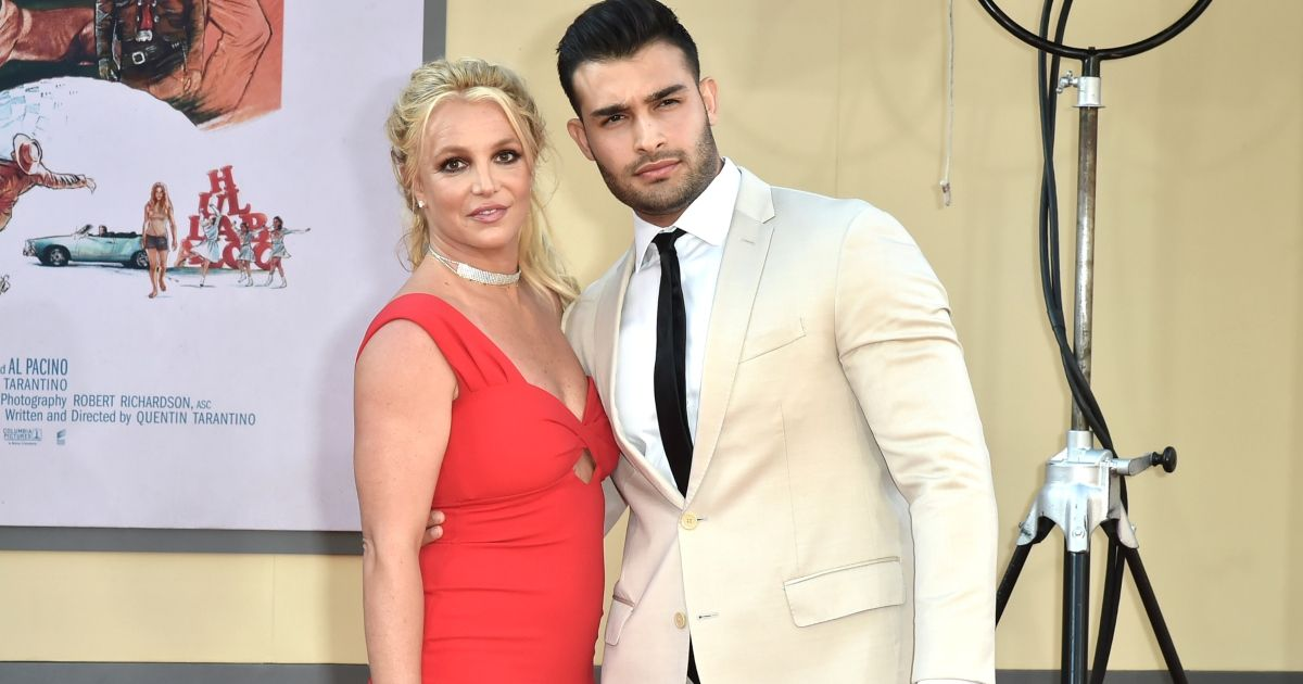 Britney Spears' Boyfriend Sam Asghari Posts About Returning To Manchester, Is He Done With The Drama?