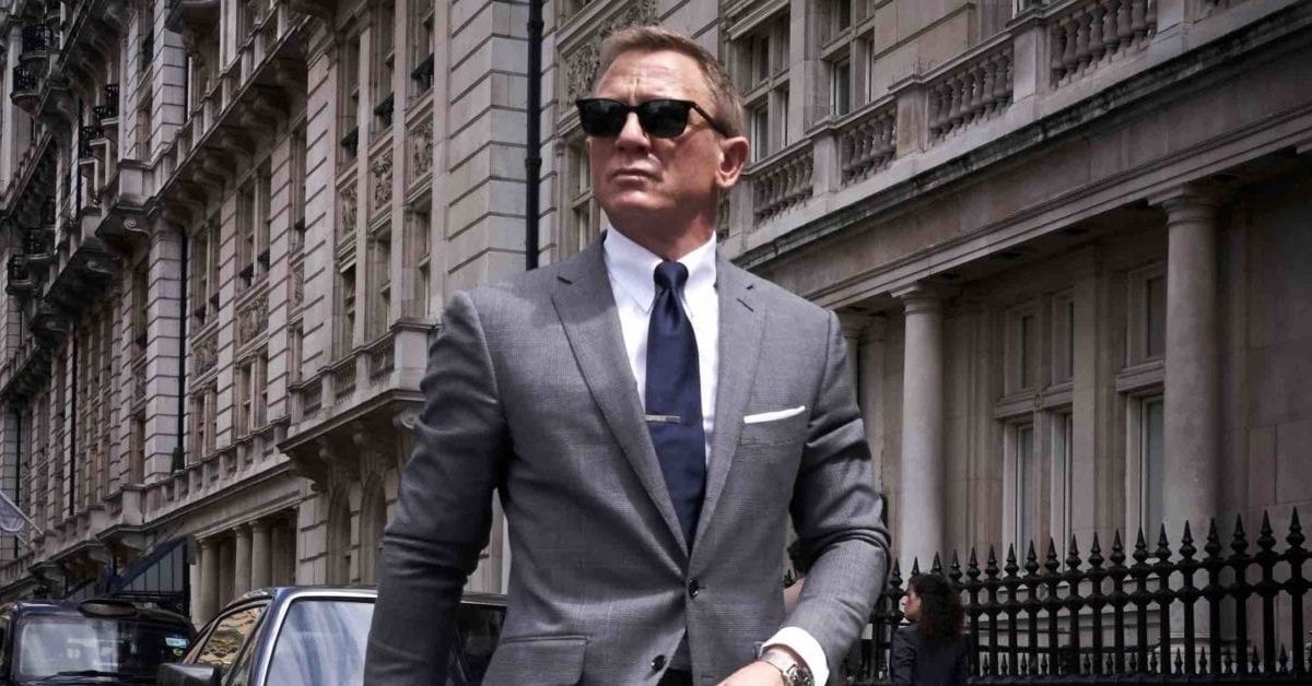 Here's How Daniel Craig Gets Ripped To Play James Bond