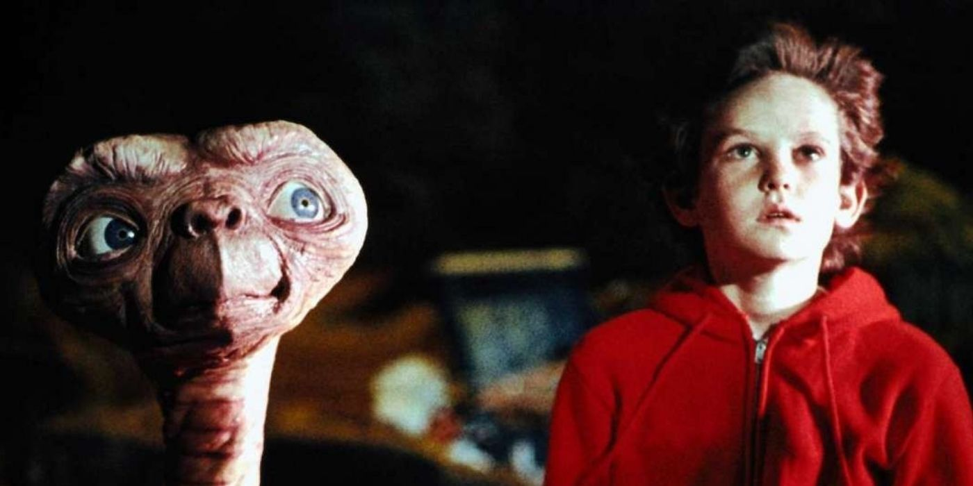 This Is What The Kid From E.T. Looks Like Now | TheThings