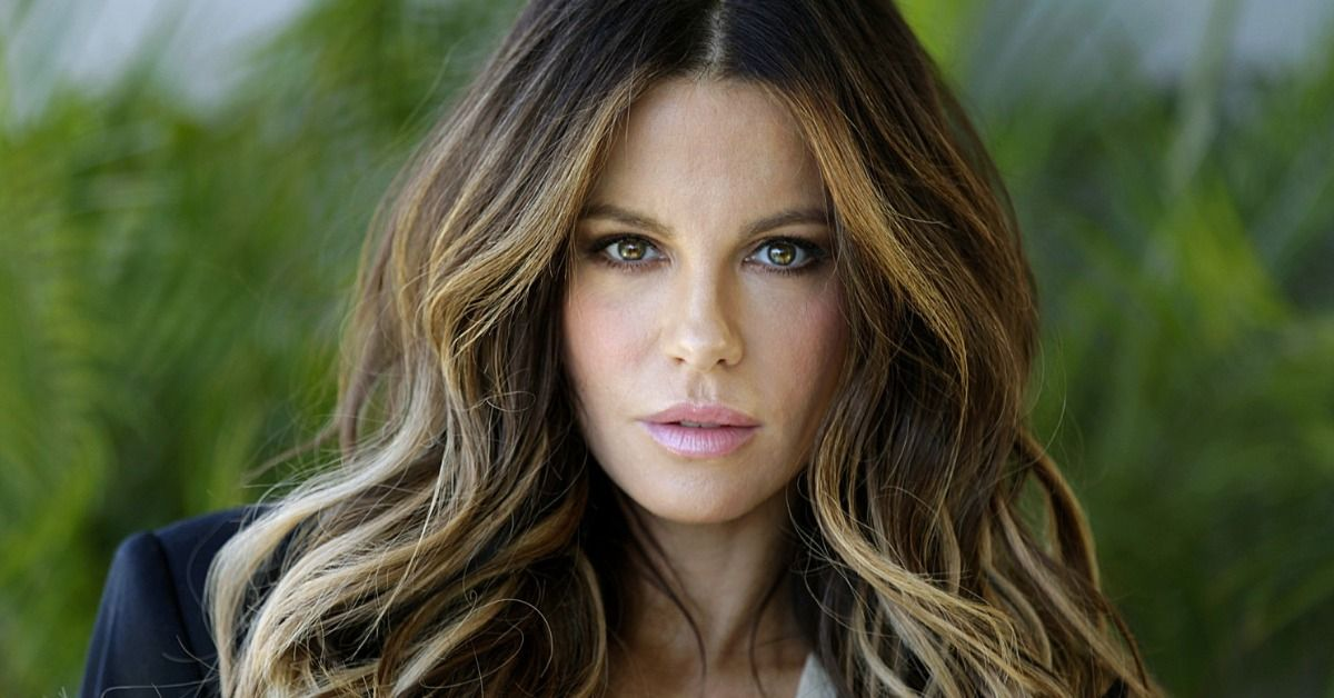 Kate Beckinsale Shares A Steamy Throwback Of Her New Year's 2019