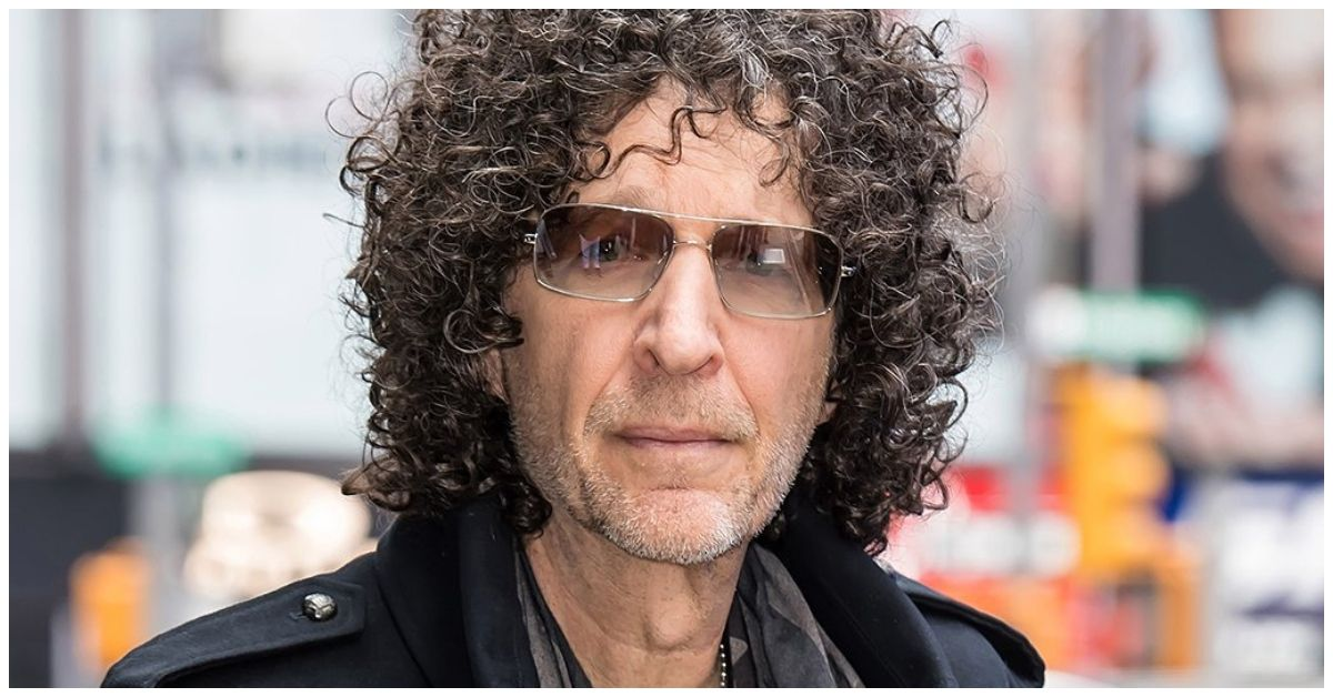The Sad Reason That Howard Stern Is Obsessed With This Everyday Item