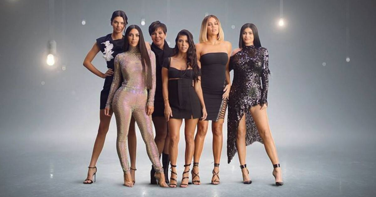 Khloe's New Post Marks The Return Of The Kardashian Sister Gang As KUWTK Airs Its Final Season